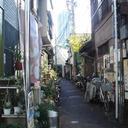 西新宿・早朝の凶行 芸能界に太いパイプを持つ被害者が襲撃された現場と背景ーー