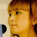 """本人もTwitterで苦笑い……浜崎あゆみ「ヤングマガジン」で""""脱いでもすごい""""巻末グラビア掲載へ"""