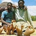 木登りに適した進化を遂げたら指が…ッ!?「ダチョウ人間」と差別された謎の部族ヴァドマ=ジンバブエ