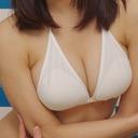 """Fカップ女優・萩野梨奈のヨコ乳が""""ただのサスペンダーみたいな水着""""で大変なことに!?"""