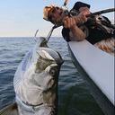 怪魚を求めて世界の僻地へ! 衝撃のとんでも写真の数々が詰まった『新・世界怪魚釣行記』