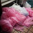 """「AKB48ファンはマナーがいい」とはなんだったのか……総選挙後、""""ピンクの雨ガッパ""""が会場周辺に大量投棄"""