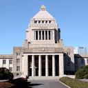 """国会デモに現れる永田町名物""""罵声おばさん""""の正体は、有名歌手の母親!?"""