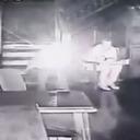 殺人現場でカメラ目線の幽霊がチラリ!? 無数のオーブも暴れ飛ぶ心霊映像!