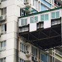 """高層化が進む中国都市部で、危険な""""渡り廊下""""が続出中「強風で飛ばされる」「泥棒天国」"""