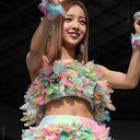"""""""Gカップ爆乳化""""の元AKB48・板野友美が整形・豊胸疑惑噴出で「最近、胸を隠してる!?」"""