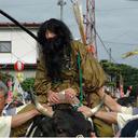 観客の目の前でおたふくと天狗が合体! 全国各地の奇祭に見る、日本人のルーツとは