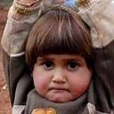 """シリア難民キャンプで4歳の少女がとった""""絶望の行動""""とは?"""