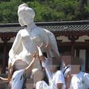 """西郷さん逃げて!? 銅像のおっぱい&股間を触りまくる""""爆揉み""""中国人観光客が日本上陸へ"""