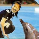透けブラ&パンチラ調教師のほっぺにチュー! 北朝鮮に「世界一幸せなイルカ」がいた!!