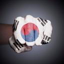 政権批判したら即告訴! 言論の自由度が低下する韓国は「民主主義水準40点」?