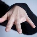 【指を壊死させて切断】究極の身体改造「アンピュテーション」に挑む女―インタビュー