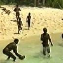 【世界最後の秘境】近づいたら殺される? 未知の部族「センチネル族」が暮らす実態不明の島!!