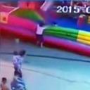 被害児童の母親にも批判集中 中国で多発する「子ども用エアートランポリン」事故