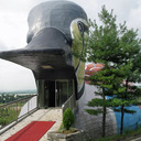 かわいさあまって、生々しさ100倍?「錦江渡り鳥眺望台」
