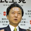 """土下座パフォーマンスから1カ月 """"国賊""""鳩山由紀夫元首相、韓国紙に「おわび」の真意を語る"""