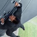 今度のイーサン・ハントは、軍用機のドアに張り付き……『ミッション:インポッシブル』最新作