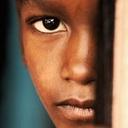 【近親相姦】処女を奪う父親、孫と交わる祖父、娘に猿ぐつわ…アフリカの闇!
