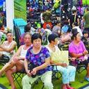 地下鉄駅を、イケアを、銀行ATMを……猛暑の中国で「納涼族」が街中を占拠中