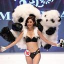 もはや仮装大賞!? 海外有名ファッションショーを真似たミスコン中国予選が大迷走