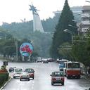 """フォルクスワーゲンも走る北朝鮮に、電気自動車をしのぐ""""究極のエコカー""""があった!"""