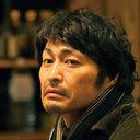寅さんの系譜を現代に継ぐ、流れ者キャラの誕生──ロケ現場で様々な伝説を残す男『俳優 亀岡拓次』