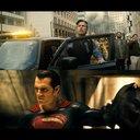 『バットマン vs スーパーマン』、キャストと監督が2大ヒーローを語る2種類の特別映像を公開