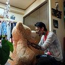 """""""元アウトローのカリスマ""""瓜田純士がクマのぬいぐるみに夢中! クマ声で「幸セダナ~」って……"""