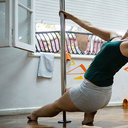"""「裸で踊って見せてくれ」ポールダンス教室に、韓国人男性が""""トンデモ要求""""! 巨大エロサイト閉鎖の影響で……?"""