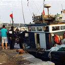 「海を真っ黒に埋め尽くす密漁船に、怒りが込み上げ……」韓国漁師が命懸けで中国船を拿捕!