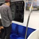 """座席に向かって「ジャー」!? トラブル多発の韓国・地下鉄内で、今度は""""小便男""""が登場"""