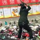 チャイナボカン防止のため!? 全寮制の専門学校で、職員が電化製品を公開処刑!