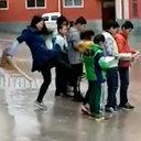 女教師が小学生のケツを全力キック! 教育現場で体罰がエスカレートするワケ