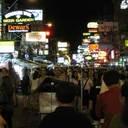 """プミポン前国王死去で自粛ムードのタイ、観光客減少で""""チップ詐欺""""横行中!"""
