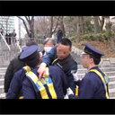 【反アパデモ】右翼団体の妨害からデモ隊を守る日本警察の姿に、中国人が感銘「これが民主主義か!」