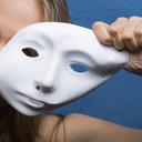 """10人中9人が「性格まで変わった」 整形手術で理想の""""顔""""を手に入れた女たちは、本当に幸せなのか?"""