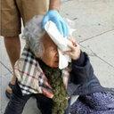 「白人の力を思い知れ!」LAで白人が韓国系老婦人を襲撃!? でっち上げ説も……