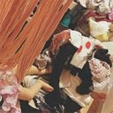 木下優樹菜の洗濯物散乱インスタに「写真撮ってる暇あるなら畳め」「潔癖症設定は?」のツッコミ