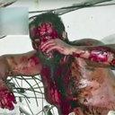 ドローン空撮で自宅を特定し、結集呼びかけ? 差別主義ロシア人をメキシコ人暴徒が襲撃!