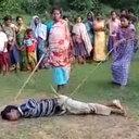 多発する性犯罪への怒りが爆発! インドで8歳女児を強姦・殺害した容疑者を、女らが無裁判処刑