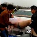 """中国結婚式の""""下劣化""""が止まらない!? ブライドメイド女性への「スパンキング」を楽しむ男性参列者たち"""