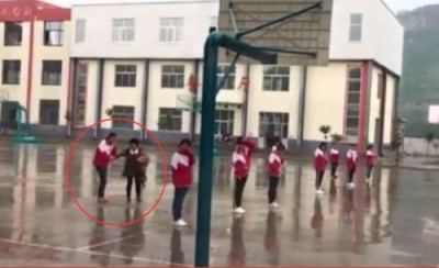 学生カップルのキス現場を盗撮して晒し者に! 中国でトンデモ懲罰が横行中の画像3
