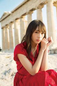 欅坂46がソロ写真集で水着解禁も アイドル運営は「脱ぎ仕事まで奪ったAKBよりマシ」の画像1