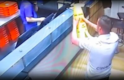 チーズの匂いで欲情? ドミノ・ピザ店内で立ちバックしたカップルに有罪判決!の画像1