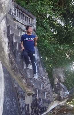 東南アジアで世界遺産に迷惑行為を繰り返す「アイ・アム・ジャパニーズ!」男を直撃! すると、流暢な韓国語を……の画像1