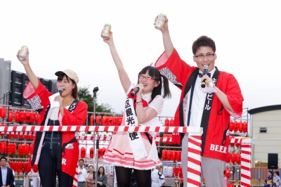 【PR】婚姻届は中野区役所に! メトロポリちゃんV、笑顔で結婚報告「東京に乾杯!」の画像1