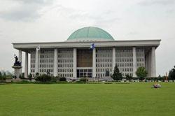 Seoul-National.Assembly-01.jpg