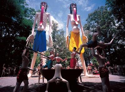 Wat-Muang1.jpg