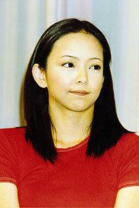 安室奈美恵の引退発表にも案の定……「誕生日は父の命日とご一緒です」泰葉の便乗体質がヒドすぎ!?の画像1