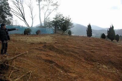 管理事務所の不手際で墓が掘り起こされ、父親の遺骨が行方不明に……続発する「お墓トラブル」の画像1